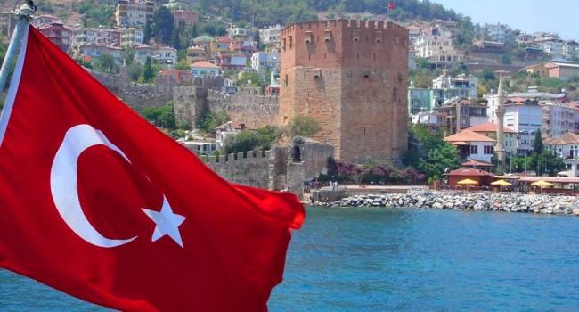 «Турки уже заплатили Зеленскому»: политолог прокомментировал новость о поездках украинцев в Египет и Турцию