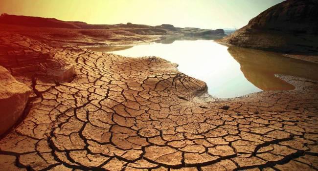 «Война за питьевую воду»: эколог предупредила о масштабной климатической катастрофе в ближайшее время