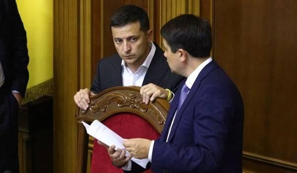 Ниже 30%: стало известно о резком падении рейтинга партии «Слуга народа»