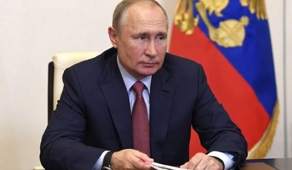 Болтон: Трамп игнорировал всю негативную информацию о Путине