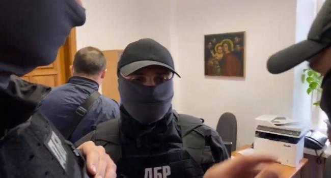 Журналист: ГБР могло прибыть на передовую и изъять «в интересах следствия», скажем, танковые гусеницы, снайперские винтовки