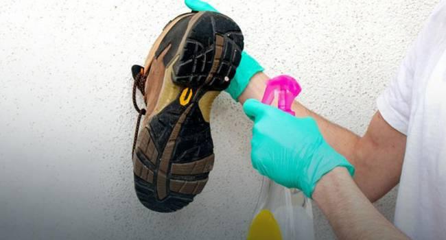 Заразиться COVID-19 через обувь: В Министерстве здравоохранения дали рекомендации украинцам
