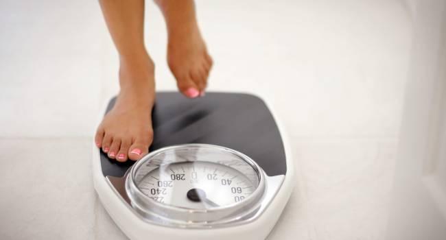 «Вес буквально тает»: доктор объяснил, как алкоголь влияет на процессы похудения