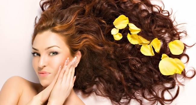 Специалисты назвали фрукты для быстрого роста волос