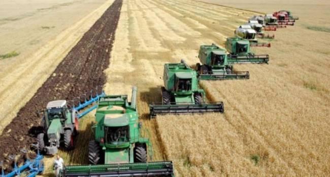 Политолог: опасения оправдались – «слуги» будут заставлять малых и средних фермеров продавать паи агрохолдингам