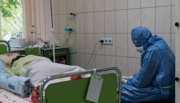 В Украине превышен критический показатель COVID-19: вернут ли в стране жесткий карантин