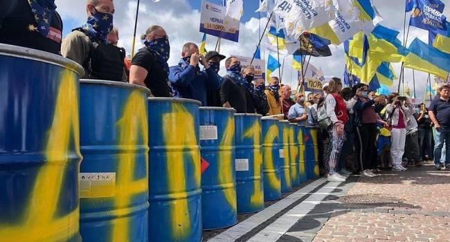 Аналитик: поддержка Порошенко растет, за деньги это не купить