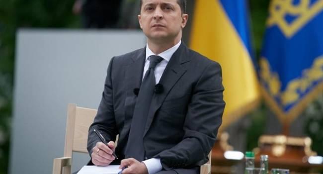 Блогер: если все подтвердится, Зеленскому следовало бы объявлять импичмент и отдавать его под суд