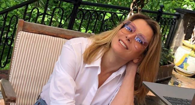 Без прически и макияжа: Юлия Высоцкая показала свой необычный домашний образ