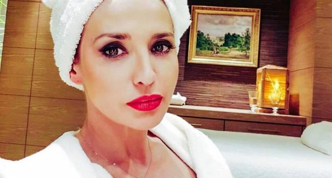 «Все ещё секси»: Оксана Марченко в топе и леггинсах показала свою утреннюю разминку