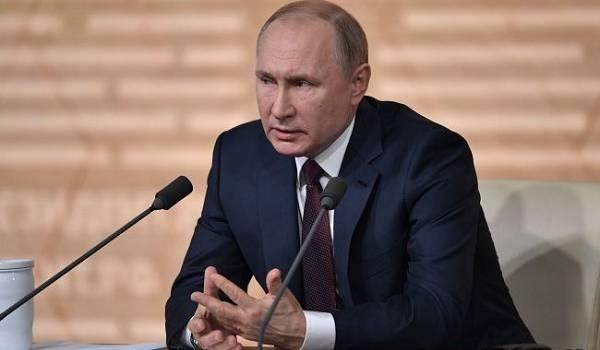 Тысячи недействующих паспортов участвовали в голосование за обнуление сроков Путина