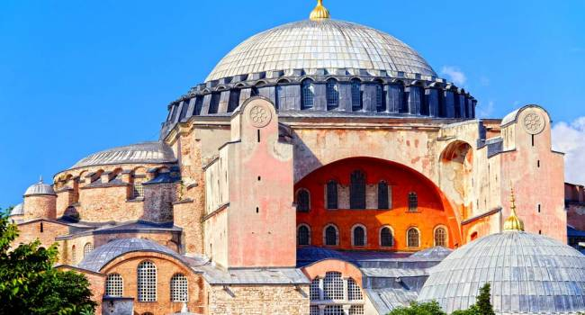 Эрдоган решил бросить вызов всем христианам – в Святой Софии теперь звучит коран, святыня христианского мира станет мечетью