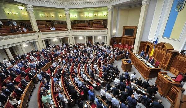 Зеленский считает, что пора уже снять ограничения по зарплате чиновников