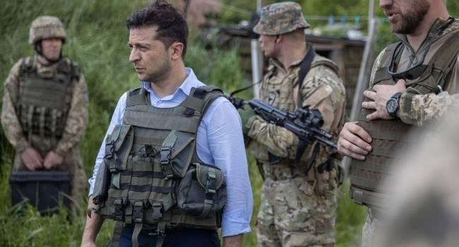 Синютка: Зеленский не служил. Он не понимает армию, и пытается забыть о ее существовании, и это очень нравится Кремлю