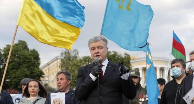 «А рейтинг все равно растет»: политолог заявил, что обнародование пленок Деркача никак не навредит Порошенко