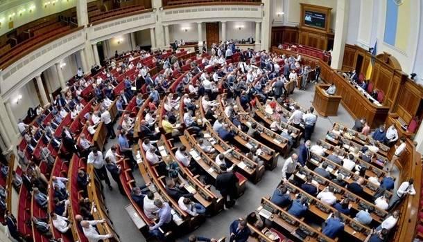 Повторение «методички Кремля»: волонтеры и некоторые депутаты протестуют против рассмотрения языкового законопроекта Бужанского