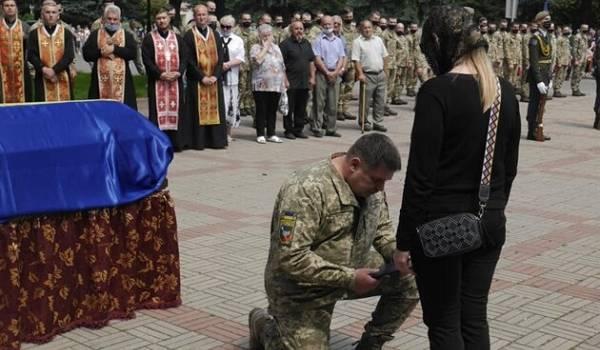 Погибшего на Донбассе Героя Украины похоронили во Львовской области