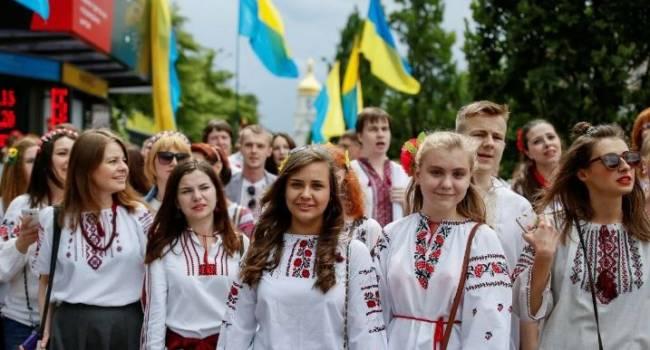 «Будут выживать за счет мигрантов»: эксперты заявили о рекордном сокращении численности населения Украины