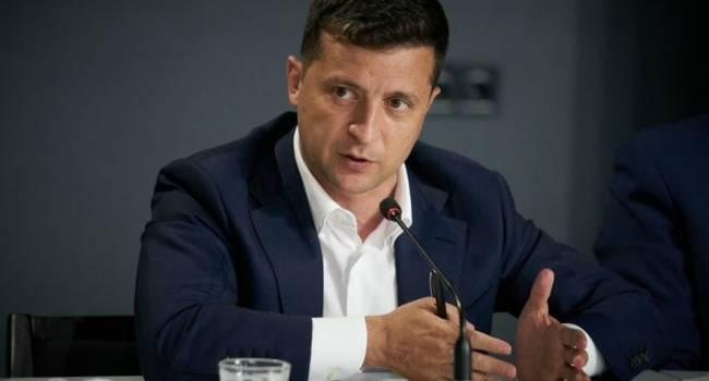 Политолог: Зеленский не рискнет проводить досрочные парламентские выборы вместе с местными, поскольку не захочет дважды обозначить провал своей партии