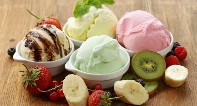 Ученые нашли связь между мороженым и первой любовью