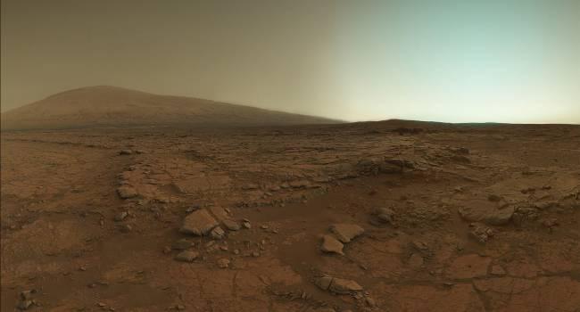 Впервые на Марсе удалось обнаружить углекислый газ и озон