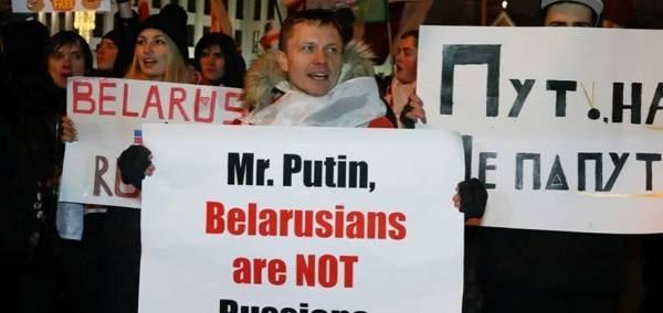 Сенатор из США: Путин может повторить в Беларуси украинский сценарий
