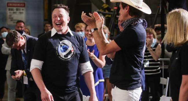 Маск поднялся на 8-ю строчку самых крупных миллиардеров: цена акций Tesla удвоилась