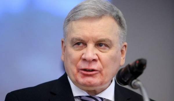 «Свидетельствует о прямой поддержке боевиков»: глава Минобороны ответил на угрозы РФ поставлять оружие на Донбасс