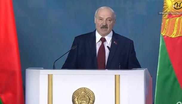 «Почему мы должны их ловить в период уборки урожая?»: Лукашенко отличился жестким заявлением о российских наемниках
