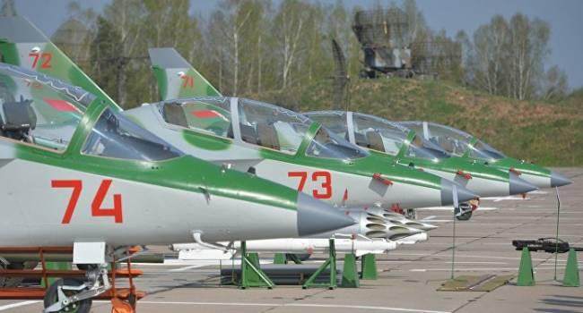 «И камня на камне не останется. Точно, это знак Путину»: Лукашенко из-за России экстренно поднимает в небо боевую авиацию