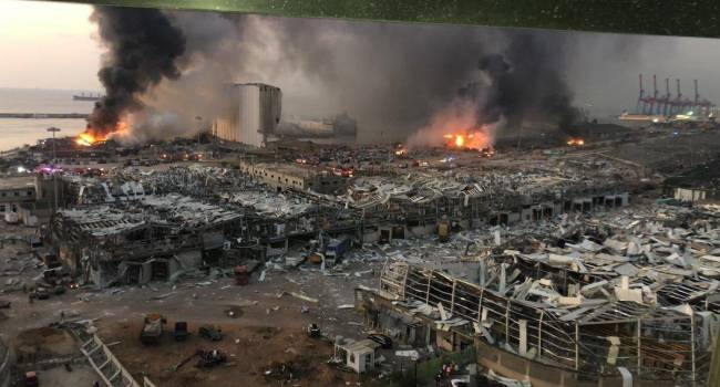 «Взрыв 2700 тонн нитрата аммония в порту Бейрута. Везде тела, присыпанные пеплом»: Количество погибших приближается к 100, пострадавших уже 3700