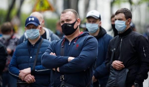 Коронавирус в Украине набирает обороты: за сутки установлен новый антирекорд