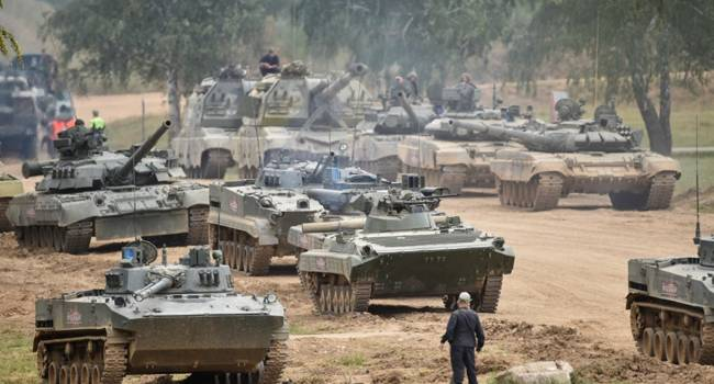 «Перемирие лопнуло, как пузырь?»: Москва направила боевикам «ЛДНР» колонны бронетехники, оружие и военных. Видимо будет нгаступление