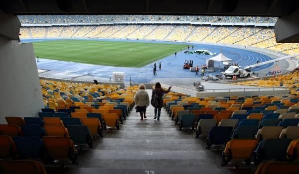«Это приведет к катастрофическим последствиям»: в ВОЗ запаниковали из-за вероятного возвращения болельщиков на стадионы