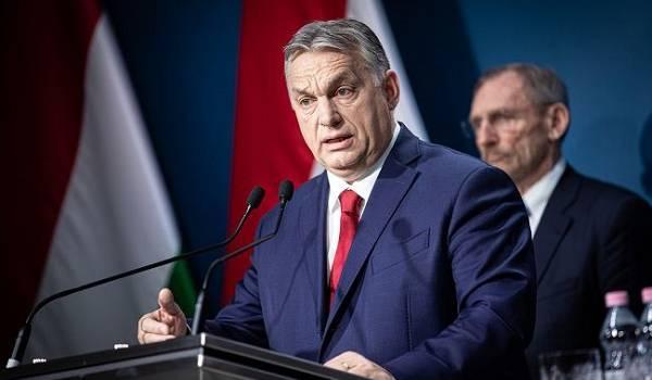 «Представляют биологическую угрозу»: Орбан хочет запретить мигрантам въезд в Венгрию