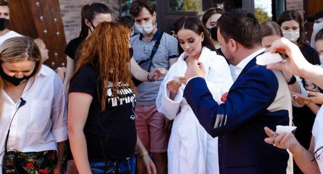 «Красиво, романтично, невероятно волнительно»: холостячка Ксения Мишина показала первые кадры со съемок шоу