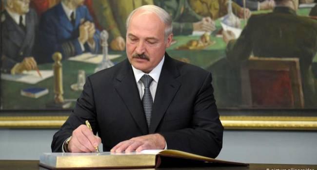 Журналист: Лукашенко собирается полностью отключить Беларусь от интернета и сотовой связи