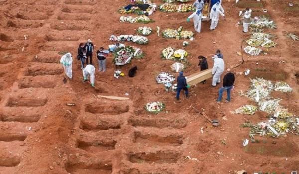 Власти Бразилии объявили траур по жертвам пандемии COVID-19