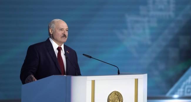 «Два возможных сценария»: белорусский оппозиционер заявил, что Лукашенко никогда не выдаст россиян Киеву