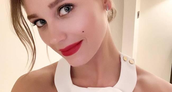 Голая Кристина Асмус показала фото с ванны, а также рассказала, почему решилсь расвестись с Харламовым