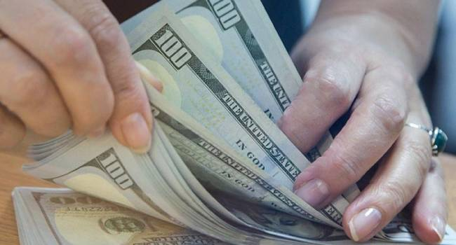 «Долг скоро будет в $100 млрд.»: Украина рассчитывает получить в кредит еще 3,3 миллиарда долларов