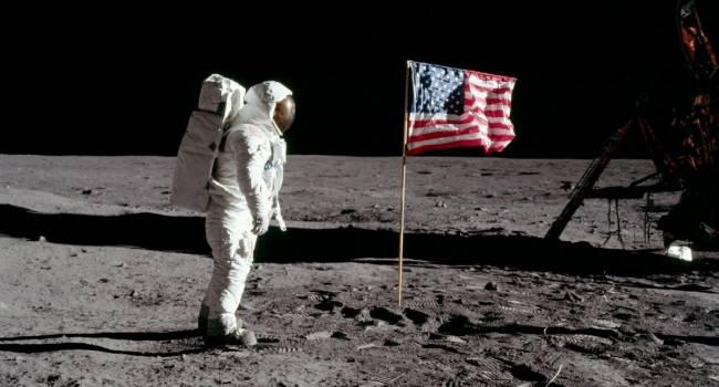 В России объяснили, почему не верят в высадку американцев на Луне