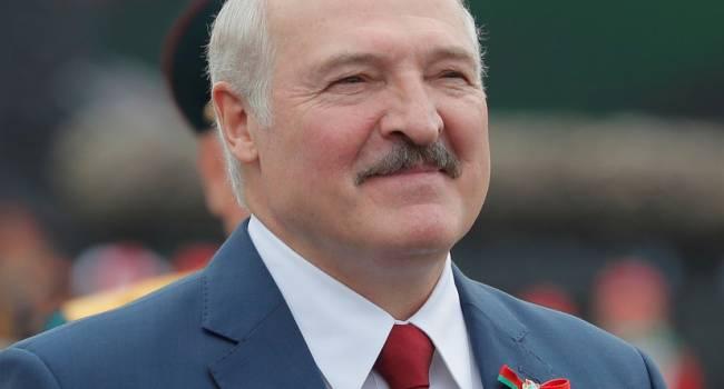 У Путина появился редкий шанс поменять Лукашенко на подконтрольного силовика, – Арестович