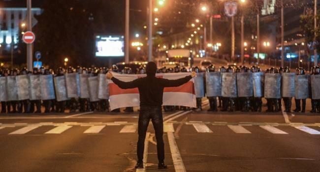 Марченко: Протесты в Беларуси - это предохранитель от поглощения страны Россией