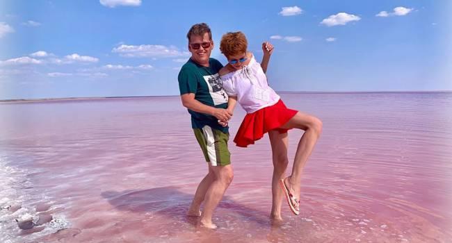 Ведущая «Нового канала» показала полуобнаженное фото с Павлом Розенко