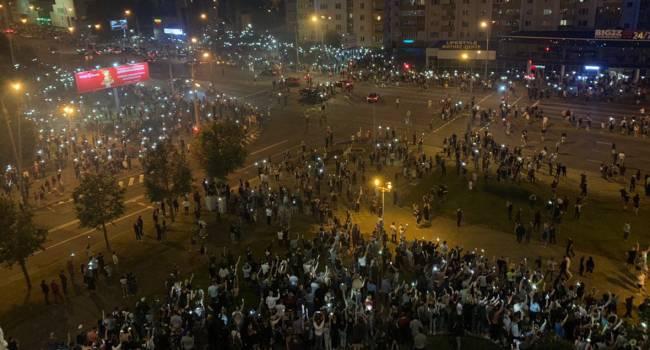 Политолог: без сотен тысяч, а то и миллионов на улицах белорусских городов победить режим будет нереально