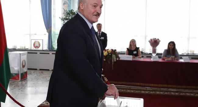 «У него хороший опыт»: Азаров заявил, что Лукашенко, в отличие от Януковича, не допустит хаоса
