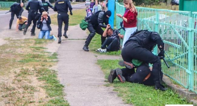 Журналист: каратели в черной форме ездят по белорусским деревням и убивают местных жителей