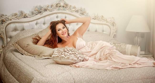Эвелина Бледанс поделилась с поклонниками очередным пикантным фото, рассказав о своей сексуальности