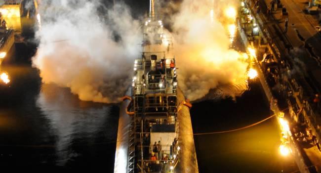 «Не везёт, так не везёт!»: Под Санкт-Петербургом сгорела субмарина